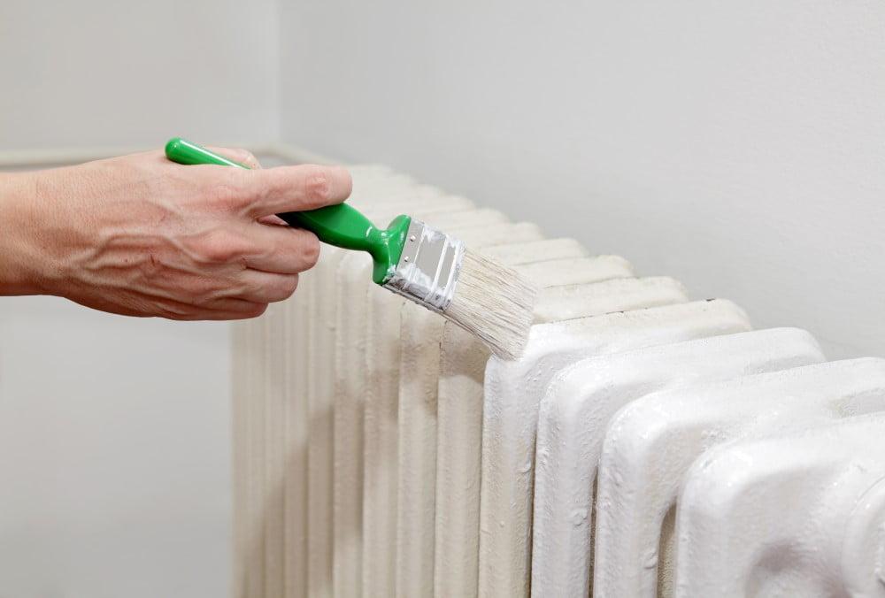 Maling af radiator med radiatormaling